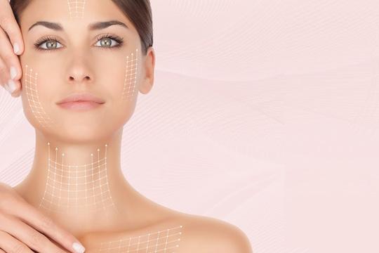 Verstevig-en-lift-de-huid-Lift-Summum gezichtsbehandeling
